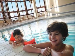 Profitez de la piscine chauffée du Club Med Alpe d'Huez