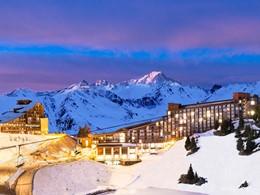 Le Club Med Arcs Extrême est situé au sommet des Arcs