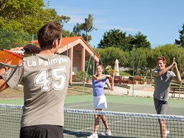 Le court de tennis du Club Med La Palmyre Atlantique