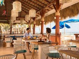 Copieux petit déjeuner face à l'océan au Club Med Punta Cana