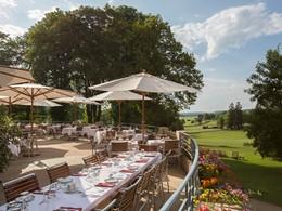 Somptueux repas face au parcours de golf du Club Med Vittel Ermitage