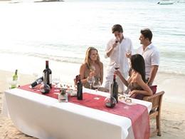 Dégustation de vin sur la plage