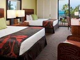 Guest Room Queen Oceanfront du King Kamehameha's Kona