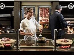 Délicieuses viandes grillées au restaurant Pangea