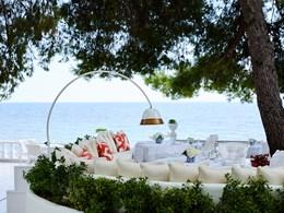 Plats aux accents méditerranéens au restaurant Andromeda
