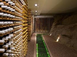 Une large selection de vins vous attend à la villa Deckenia
