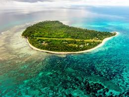 Vue aérienne de l'hôtel Denis Private Island aux Seychelles