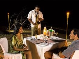 Dîner romantique sur la plage du Denis Private Island