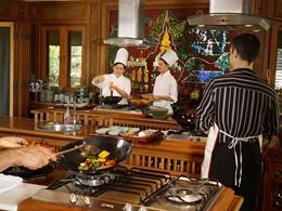Cours de cuisine à l'hôtel Dhara Dhevi à Chiang Mai