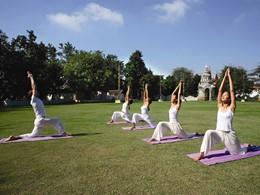 Yoga à l'hôtel Dhara Dhevi en Thailande