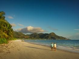 La superbe plage du Dhevatara Beach aux Seychelles
