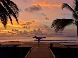 Yoga au Dhigali Maldives situé dans l'atoll de Raa