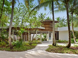 Vue extérieure du spa de l'hôtel Dhigali Maldives