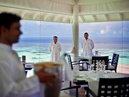 Autre vue du restaurant sur pilotis du Diamonds Athuruga