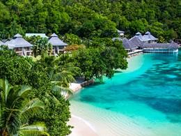 Un hôtel bordant la plage, un paysage époustouflant