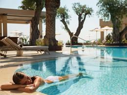 Profitez de la belle piscine de l'hôtel Domes Miramare