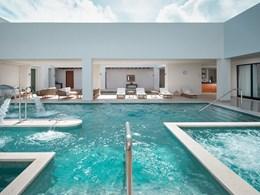 La superbe piscine d'hydrothérapie