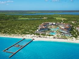 Vue aérienne du Dreams Playa Mujeres, situé au bord de la mer des Caraïbes