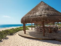 Le Hideaway Beach Bar de l'hôtel Dreams Playa Mujeres