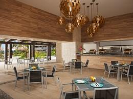 Le restaurant Tides du Dreams Playa Mujeres au Mexique