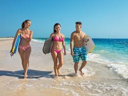 Balade sur la longue plage du Dreams Playa Mujeres