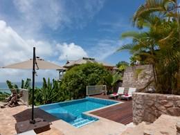 La piscine de la La Villa 180