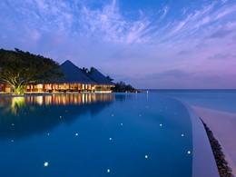 Autre vue de la piscine de l'hôtel Dusit Thani