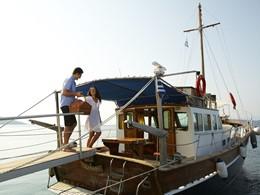 Pique-niquez en amoureux sur le bateau de l'hôtel