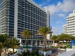 Vue de l'Eden Roc, un hôtel moderne et élégant à Miami