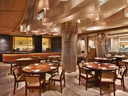 Cuisine d'inspiration asiatique au restaurant Nobu de l'Eden Roc