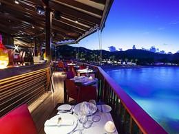 Autre vue du restaurant On The Rocks de l'Eden Rock