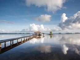 Le ponton du Fare Pea Iti Tahaa situé au nord de l'île de Tahaa en Polynésie