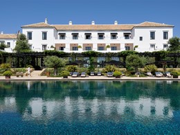Autre vue de la piscine du Finca Cortesin Golf & Spa