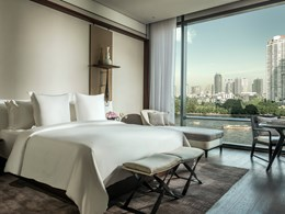 La Premier River-View Room
