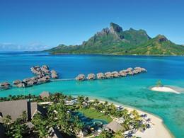 Vue du Four Seasons, situé dans l'un des plus beaux lagons au monde