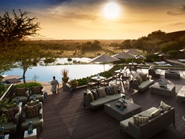 Coucher de soleil vue de la piscine