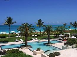 Piscine de l'hôtel Grace Bay Club à Turks & Caicos