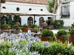 Le jardin du Gran Meliá Palacio de los Duques en Espagne