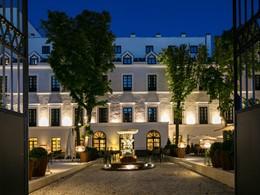 L'entrée du Gran Meliá, l'un des plus luxueux hôtels de Madrid