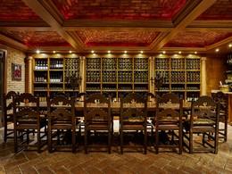 Une large sélection de vins vous attend à la cave de l'hôtel