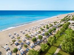 La plage du Grecotel Lux Me Rhodos en Grèce