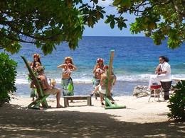 Ambiance typiquement polynésienne au Green Lodge