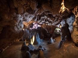 La grotte thermale millénaire