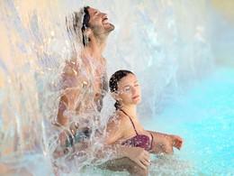 Immergez-vous dans les eaux thermales de la Grotta Giusti