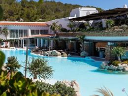 La superbe piscine de l'hôtel Hacienda Na Xamena