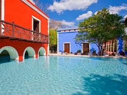 Profitez de la superbe piscine de l'Hacienda Santa Rosa