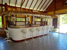 Le bar de l'hôtel Havaiki en Polynésie