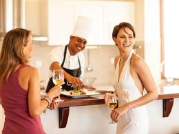 Profitez d'un somptueux repas dans votre villa