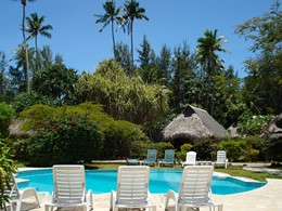 La piscine de l'hôtel Hibiscus à Moorea