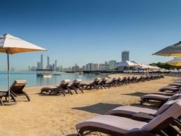 La plage privée de l'Hilton à Abu Dhabi